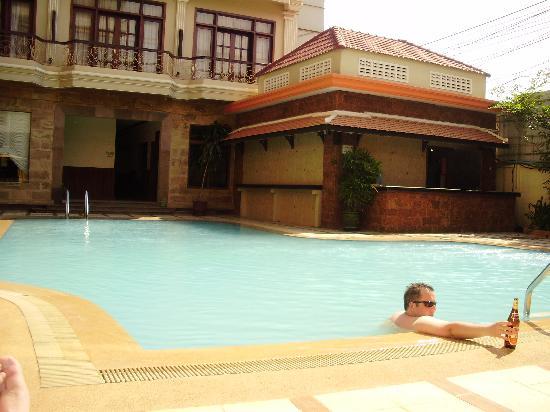 Prum Bayon Hotel: Hotel pool
