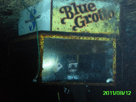 Blue Grotto: Dive Bell at 30 feet