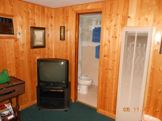 Gateway Motel : just as clean when we came back everyday