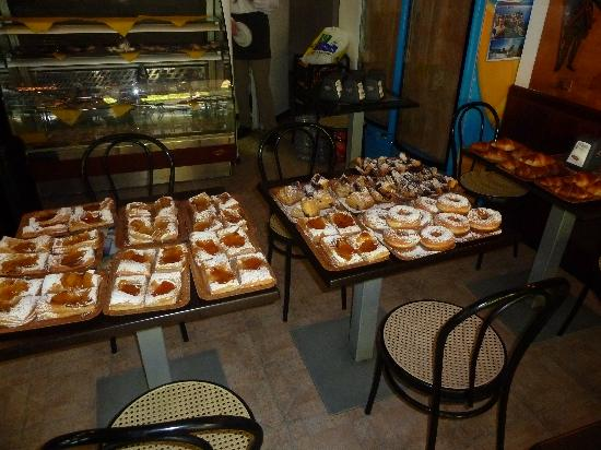Il Pirata Rooms : Hot out of the oven!