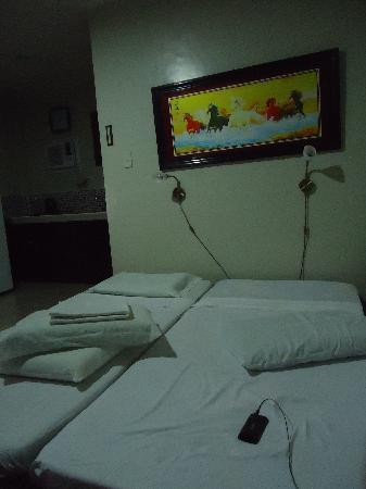 Alona Studios Hotel: deluxe room D-2