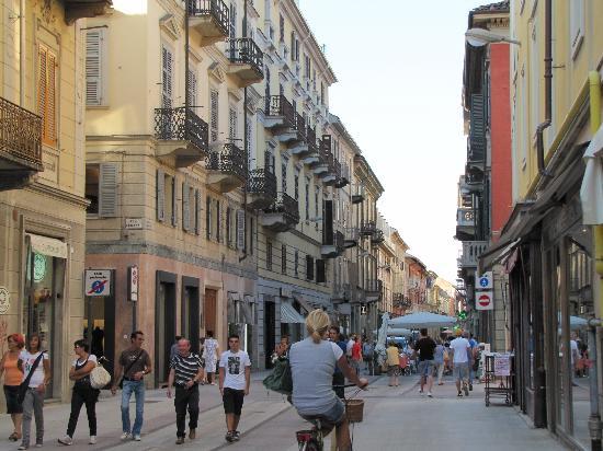 Alessandria, Italy: Strada