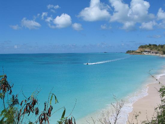 Antigua: Darkwood Beach