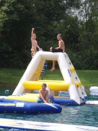 Baraboo Hills Campground: Swimming pond floats