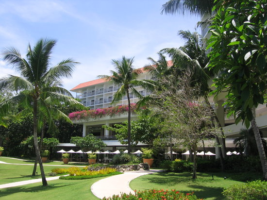 Shangri-La's Mactan Resort & Spa: The Hotel