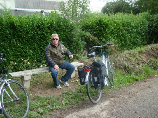 Camping de Rodaven : cycling the canal