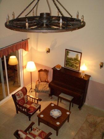Casa Tauro: lounge from balcony