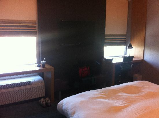 Aloft Leawood - Overland Park: King Room