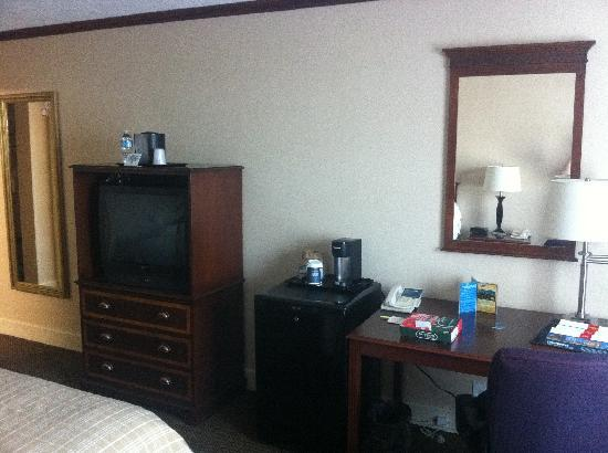 Four Points by Sheraton Kansas City Airport: King Room