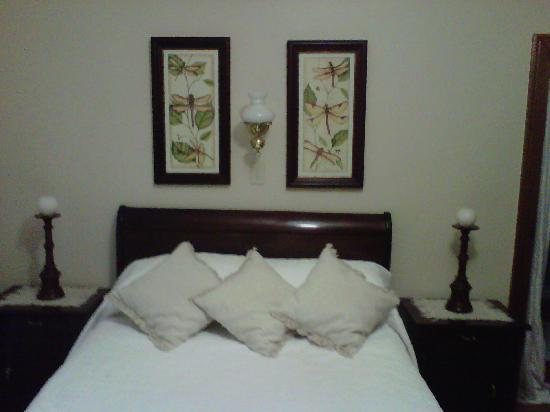 Mieliefontein Karoo Guest Farm: Cleanest rooms with white linen