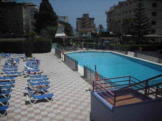 Hotel Monarque Fuengirola Park : Piscina