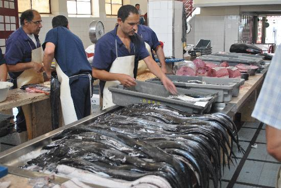 Workers' Market (Mercado dos Lavradores): poissons sabres et thons rouge