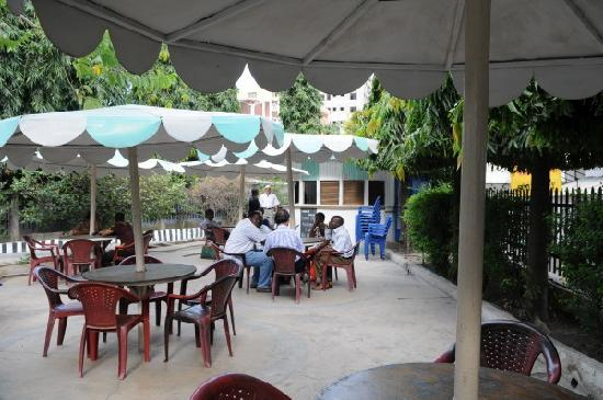 Starlight Hotel: Courtyard Cafe