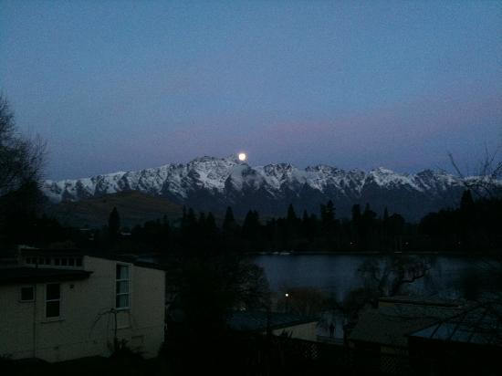 The Lodges: The moon over The Remarkables