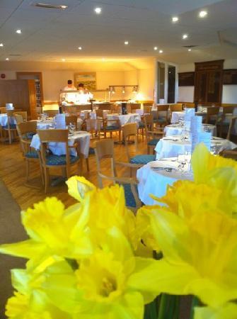 Bushfoot Golf Club: lovely dining area