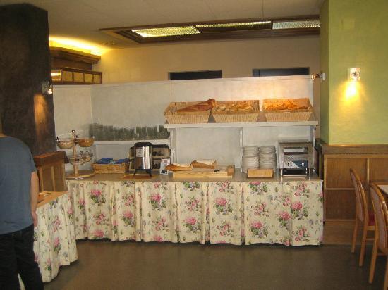 Alpine Classic Hotel Leysin : Déjeuner peu raffiné