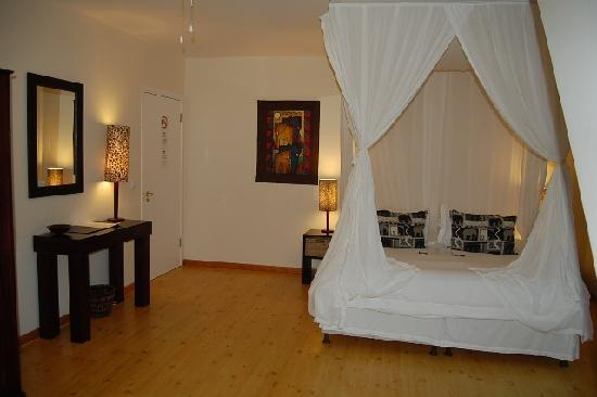 Cape Paradise Lodge and Apartments: Elephant Room - double with balcony