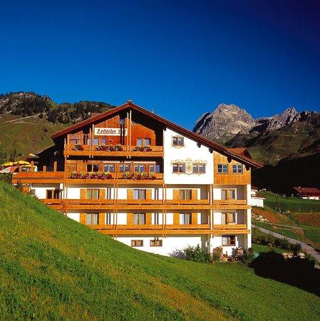 Hotel Lechtaler Hof: Boutique Hotel mitten in den Lechtaler Alpen