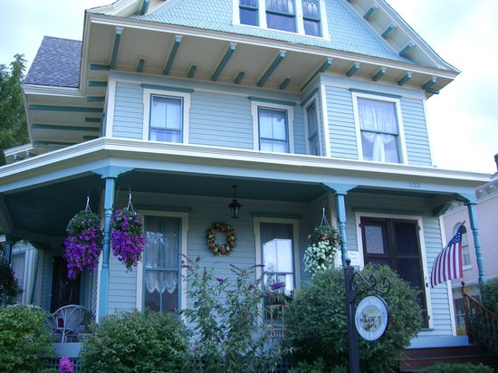 Historic Village Bed and Breakfast: Historic Village B & B  medina ny
