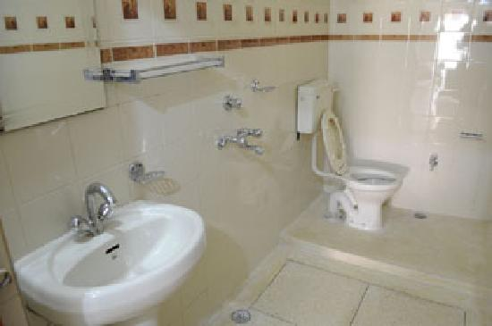 โฮมสเตย์: Toilet & Shower