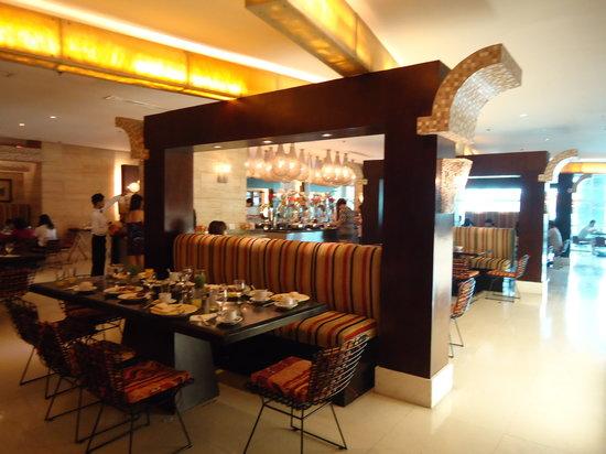 GLO Cafe & Restaurant: GLO