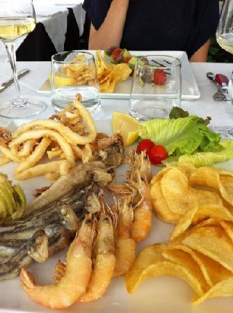 Santa Marinella, Italy: il fritto misto è un gioiello