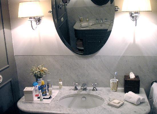 Vidago Palace Hotel : Badezimmer-Waschtische