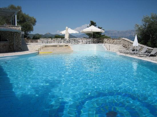 Nikiana, Grekland: The pool area