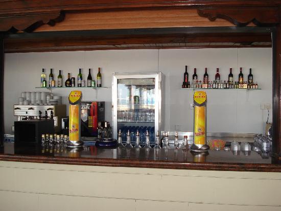Princess Beach Hotel: Queen's beach bar (2010)