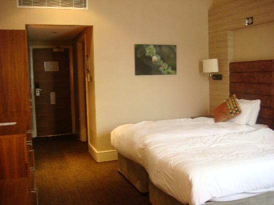 The Cheltenham Chase Hotel - A QHotel: twin bedroom