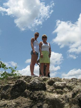 Lamanai Archaeological Reserve: High up at the High Temple!
