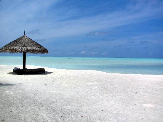 Cocoa Island by COMO: Our beach