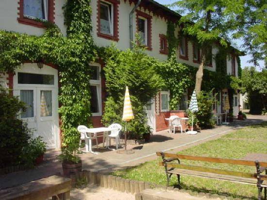 ApartHotel Landhaus Lichterfelde : Remise anno 1895