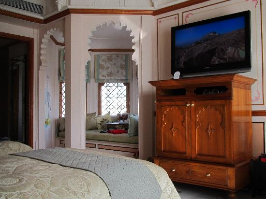 Taj Lake Palace Udaipur: Our room 2nd view.
