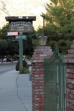 Кернвилл, Калифорния: Kernville Inn Sign