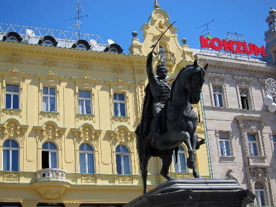 Esplanade Zagreb Hotel: Jelacic square, Zagreb