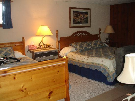Wilson Ranches Retreat Bed & Breakfast : Homestead room
