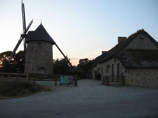 Les Cuisines du Moulin : le moulin et l'auberge