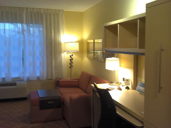Towne Place Suites: living area