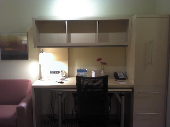 Towne Place Suites: work area