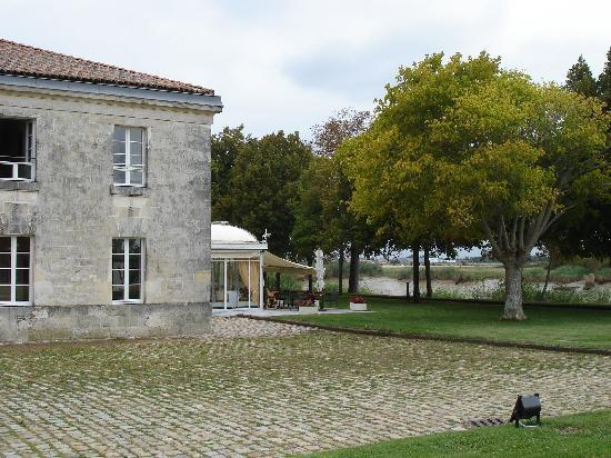 La Corderie Royale : Coté Charente & salle restauration