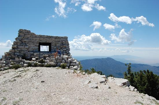 "Sandia Peak Tramway: Stone shelter at top of ""blue"" 1 1/4 mi hike"