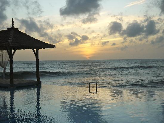 Saman Villas: Sunset
