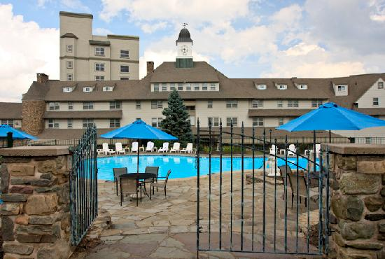 The Inn at Pocono Manor: Building Exterior & Outdoor Pool