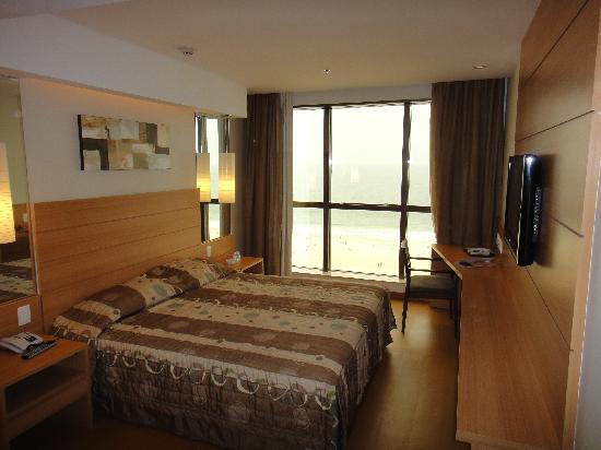 Arena Copacabana Hotel: habitacion vista al mar