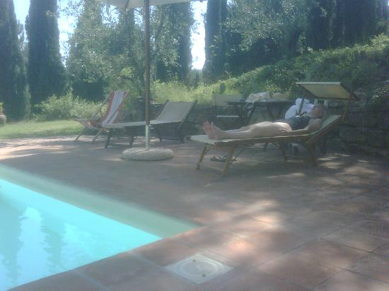 B&B Fagiolari: Relaxing By the Pool