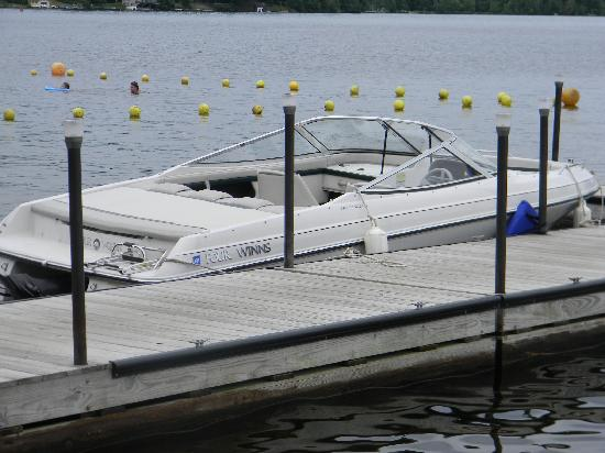 Stiefvater's Lakeside Cottages: boat dock