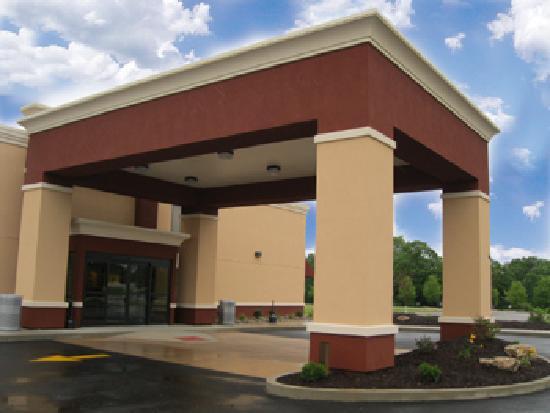 BEST WESTERN PLUS Parkway Hotel: Hotel Entrance