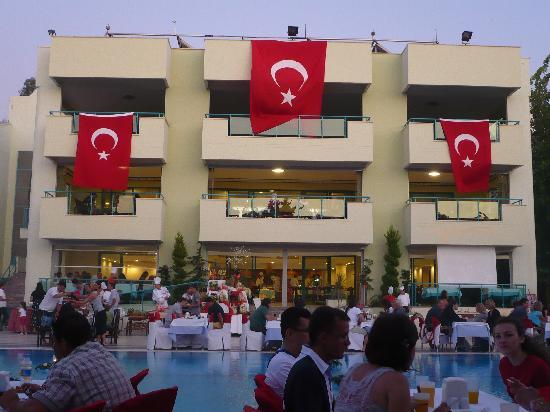 Luana Hotels Santa Maria: la soirée turque