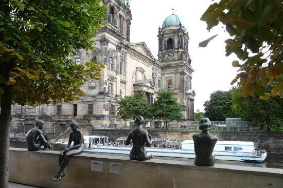 Steigenberger Hotel Berlin: Blick auf den Berliner Dom